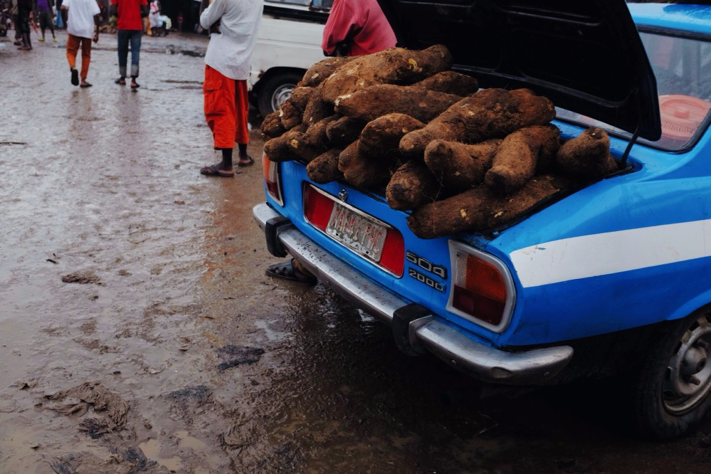 Yams in the boot of a car, Creek Road Market, Old Port Harcourt Township