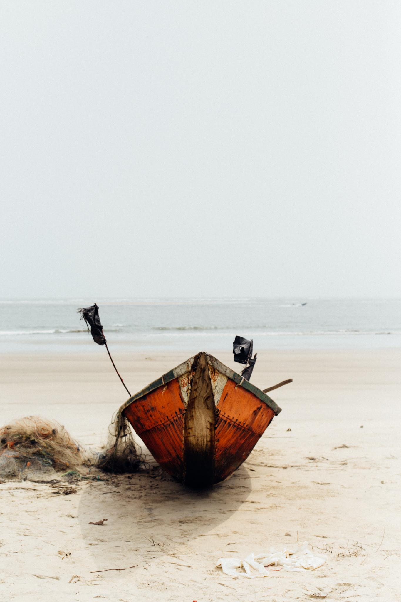 Canoe, Ibeno Beach