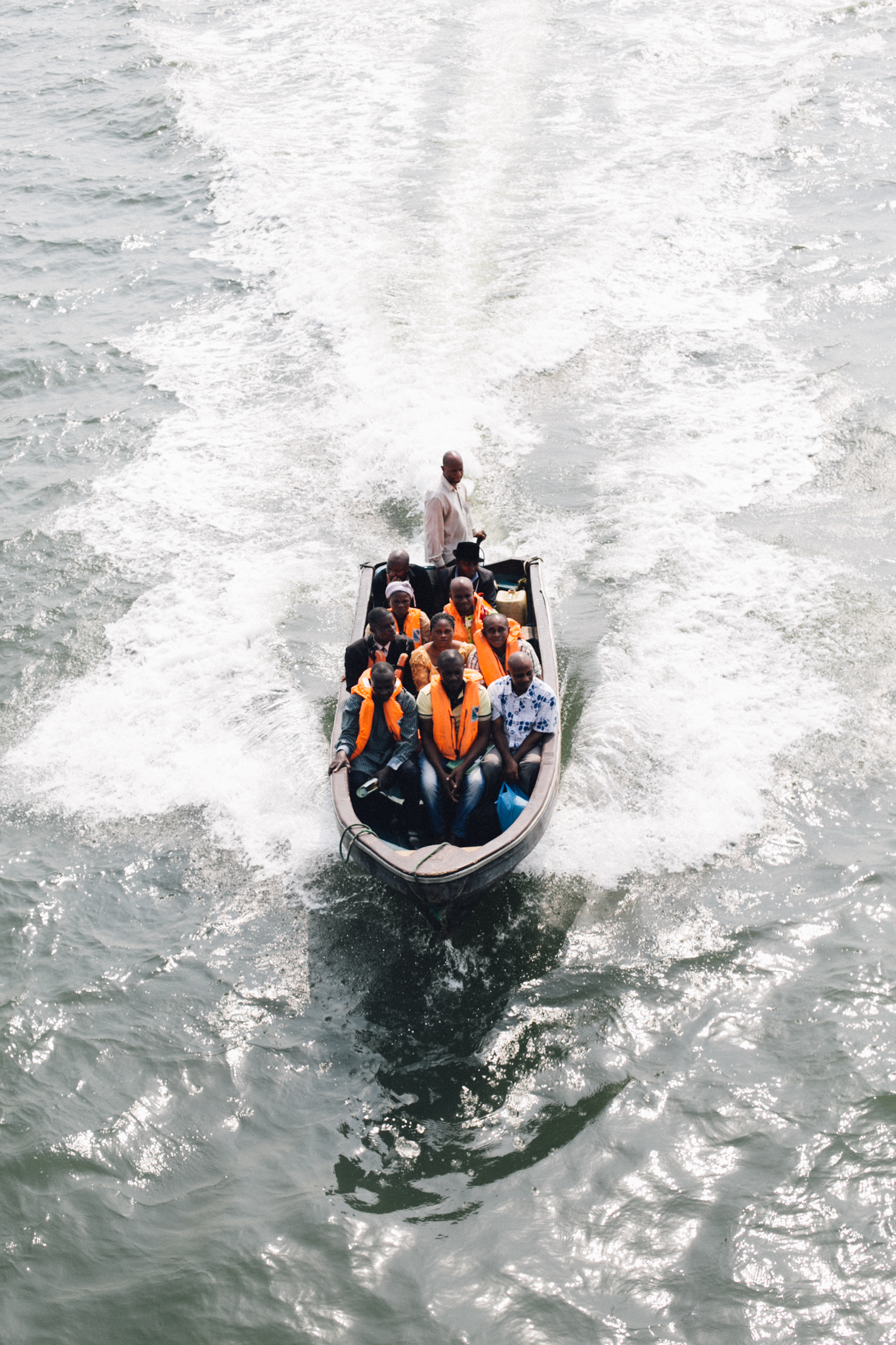 Speed Boat, Asarama, Andoni