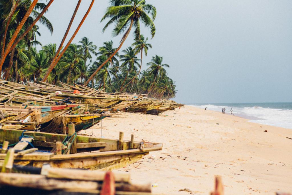 Canoes on a beach in Folu
